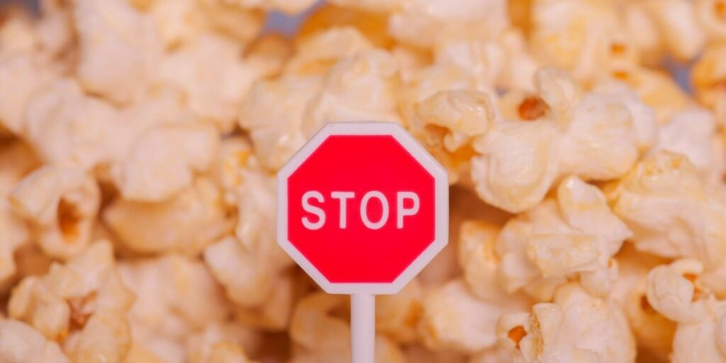 popcorn and stomach problems1